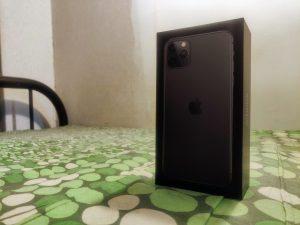 buka kotak iphone 11 pro max ini pandangan pertama